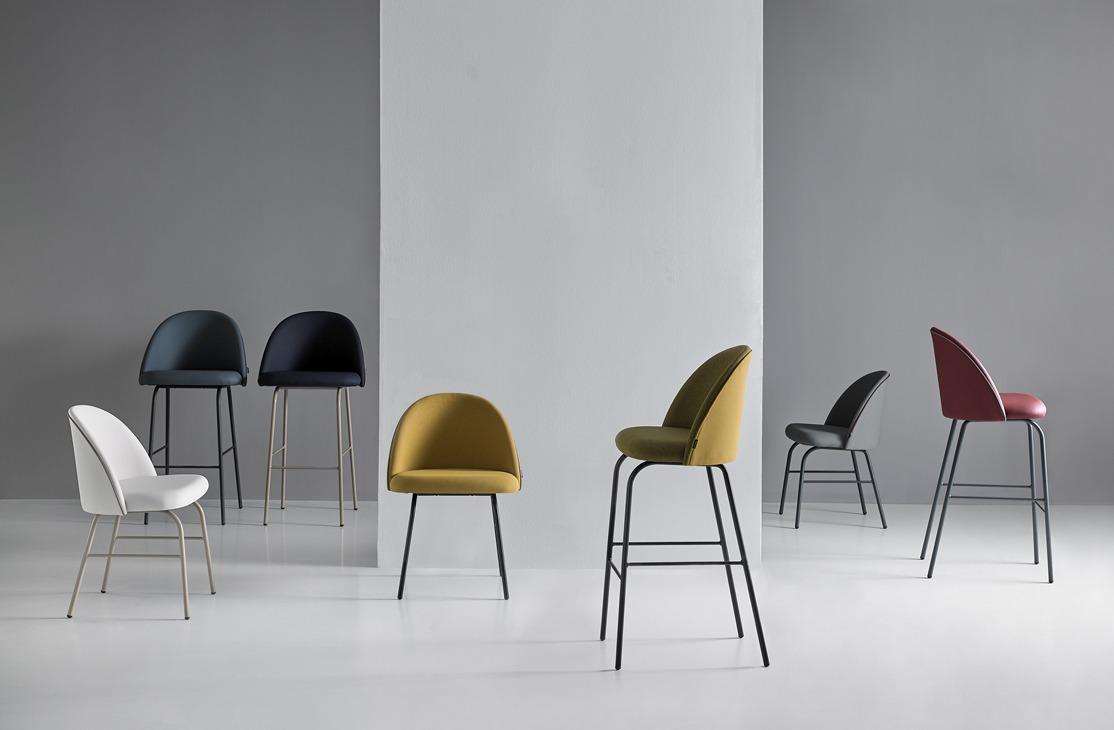 Mobboli Chelsea tuolimalliston erilaisia tuoleja